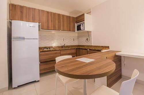 Apartamento 1 Quarto com Terrazo e Vista Piscina
